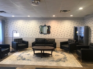 La Chaumiere Retirement Residence - Entry Lounge